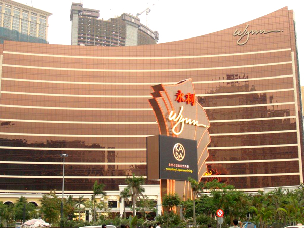 macau casino age limit for foreigners