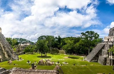 Nos Trilhos do Império Maia